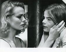 MARGAUX & MARIEL HEMINGWAY LIPSTICK 1976 VINTAGE PHOTO ORIGINAL