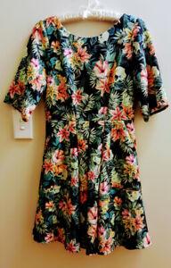 CLOSET London Dress 10 Pleated Floral Fit & Flare V-Neck Side Pockets Made in UK