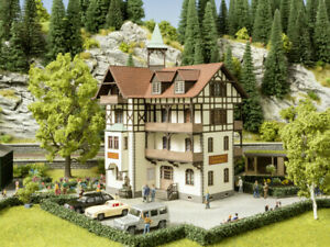 "HO Scale Buildings - 66407 - Romantic Hotel ""Schönblick""  - Kit"