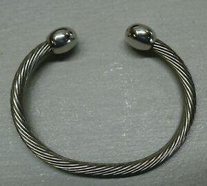 Small Q-RAY Silver Stainless Cable BRACELET, Qray Golf Sports Health Wellness