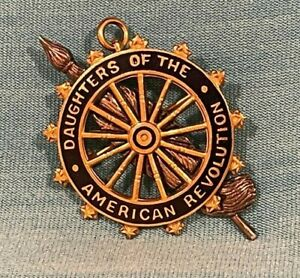 DAR Daughters Of The American Revolution Decorative Pin J.E Caldwell Gold Filled