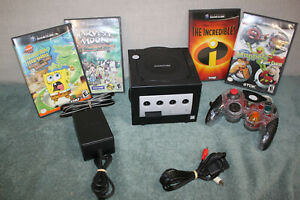 Nintendo GameCube Bundle W/4 GAMES,MEMORY AND CONTROLLER (CLEAN, WORKS GOOD)