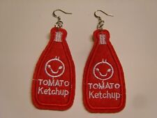 Ohrringe mit roter Ketchup Flasche aus Stoff Bügelbild Flicken Handgemacht