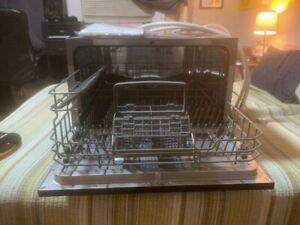 EdgeStar DWP62WH 6 Place Setting Countertop Dishwasher - Black