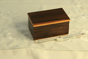 1 Schmuckschatulle Holz Kästchen Box alt Schatule Deckeldose vintage DEKO Hand x