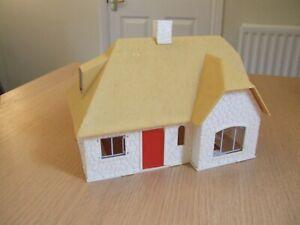 Vintage Timpo farm house 1:32 scale