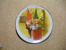 Rien Poortvliet Gnome Plate Legends of the Gnomes Holiday Plate Gift of Love