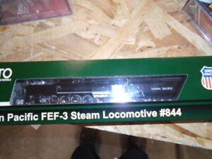 Kato 126-0401 N Scale Union Pacific FEF-3 4-8-4 Steam Locomotive #844