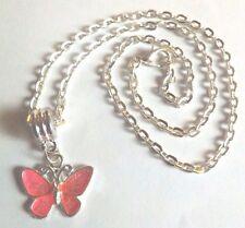 collier chaine argenté 41,5 cm avec pendentif papillon rose vif 17x20 mm