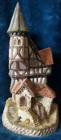 David Winter 1986 There Was A Crooked House Hand Painted Figurine Cottages