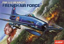 """Maqueta del Grumman F8F-1/2 """"Bearcat"""" Fuerza Aérea Francesa de ACADEMY a 1/48"""