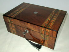 LOVELY VICTORIAN WALNUT/BANDED BOX with key