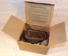 Masque à gaz civil en boite carton d'origine Home-Front GB WW2 anglais