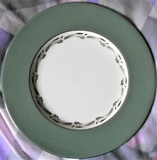 WEDGWOOD 'HALFORD' PATTERN DINNER PLATE, PERFECT