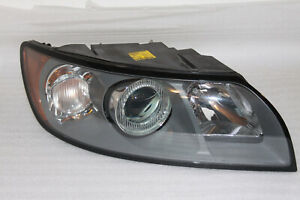 Headlight right Volvo V50 Nr 30698886 Hauptscheinwerfer Frontscheinwerfer rechts