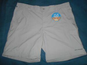 Columbia Mens 44 Tan Cargo Shorts