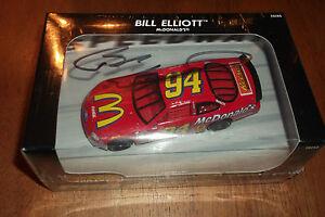 BILL ELLIOTT AUTOGRAPHED #94 McDONALDS RACING HOT WHEELS PRO RACING 1:43 (61)