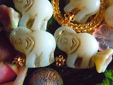 Grosse,weisse, goldgeprägte Elefanten-Perlen m.erhobenem Rüssel- 21x21mm- 5Stk.
