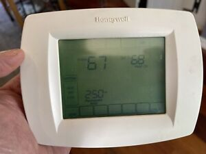 Honeywell TH832OU1008 Programmable Thermostat TH8000 Series Vision Pro