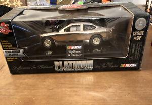 Mark Martin #6 Racing Champions 24K Gold NASCAR 1:24 Limited Edition Diecast Car