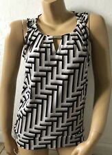 NEW YORK & COMPANY Womens Size XS Sleeveless Keyhole Pleated Tank Top Shirt