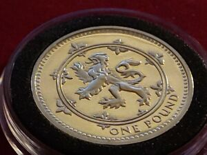 UK PROOF 1999 ENGLISH CROWNED LION 1 POUND PROOF COIN HOLDER 24mm