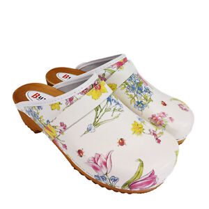 Traditional Wooden Sole Clogs with Leather Upper - Flower pattern - BNWT
