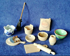 Puppenstube Puppenhaus Zubehör für Küche Kochen Backen aus Holz Sieb Sack Besen