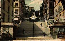 CPA Lyon-L'Escalier de la Place Sathonay (427045)