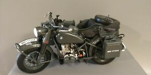 Miniature BMW R75 Militaire Wehrmacht avec sidecar and 2 figurines 1940 - Schuco