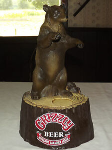 VINTAGE BAR BARWARE 1984 GRIZZLY BEER CANADIAN LAGER PLASTIC BEAR