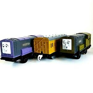 Thomas TrackMaster Trains SPLATTER & DODGE Motorised Britt Allcroft 3 Piece Set