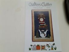 HELPING HANDS by Quilters Clutter