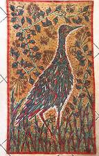 Tenture, tissus ancien imprimé et signé, représentant un oiseaux polychrome.