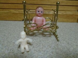 """VTG. 1950's Renwal No.8 Doll Baby 2 1/4 """" tall w/wire Cradle"""