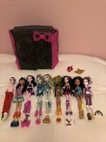 Monster High Mismatched Doll Lot Accessories Shoes Purses Dollcase