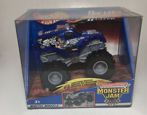 Hot Wheels Monster Jam 1:64 Rev Tredz Bounty Hunter Truck 2002 Rare
