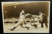 1940 JOE DIMAGGIO EARLY CAREER Signed Photo vtg hof New York Yankees Team