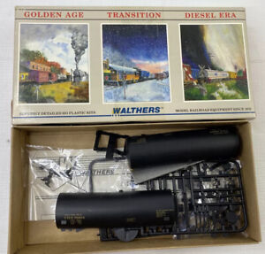 Walthers  HO Scale GATX #22799 40' Single Dome Tank Car Partially Assemled