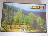 FALLER 1361 Bausatz für N und HO, 8 Laubbäume und 2 Büsche wie Neu in OVP