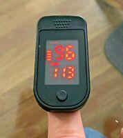 Saturimetro dito Ossimetro Misuratore Ossigeno Pulsossimetro SPEDIZIONE 24 ORE