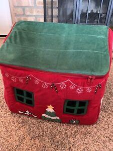 Christmas Pet House - Small Dog