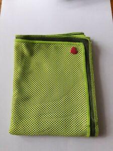 Kühltuch grün ICE-Tuch Kühltücher Kühlhandtuch Cool Towel Sport walken m. Herz