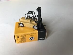 NZG 1:87 Caterpillar Cat B25 Lift Truck Forklift Made In Germany (Boxed)