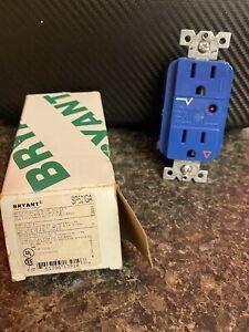 BRYANT SP52IGA 15A Decorator Receptacle 125VAC 5-15R BL