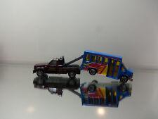 2010 Matchbox GMC Wrecker Tow Truck W/ '98 Chevy Bus - Mint Loose 1/72 Scale