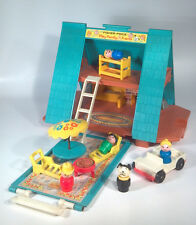 Vintage Fisher Price Little People Play Family A Frame House 990 W Accessories
