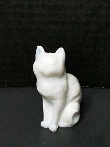 """Vintage Mosser 3"""" Sitting Cat Figurine White Milk Glass Excellent Condition"""