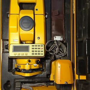 TOPCON TOTAL STATION ITS-1  WITH EXTRAS AND HARD CASE. GREAT SHAPE GOOD DEAL