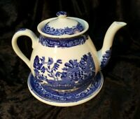 Antique Willow Pattern 'Wedgwood' Teapot and Stand - VGC